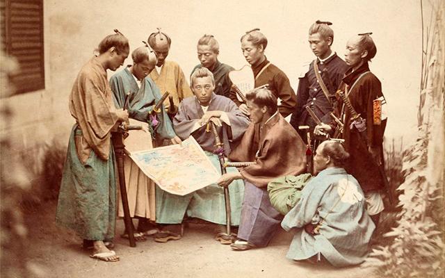 Fotografía de guerreros samuráis de la provincia de Satsuma durante la Guerra Boshin